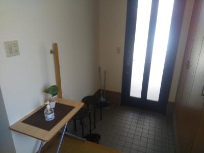 玄関内部 - Will Labo 西山本 テレワークスペースの入口の写真