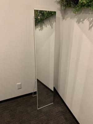 全身鏡 - TCEサロンスタジオ 時間貸しレンタルサロンの設備の写真