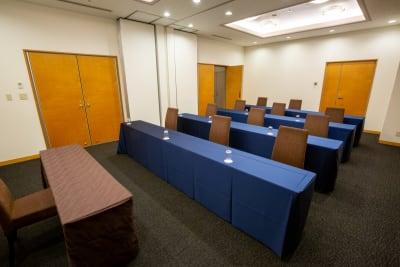 館内でも一番静かなスペースで、更衣室やお手洗いなども近く快適にお過ごしいただけます - KKR HOTEL HAKATA 会議に最適【アイリス】の入口の写真