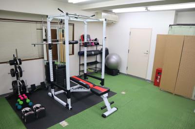 トレーニングエリア - Familia パーソナルジム レンタル スペースの室内の写真
