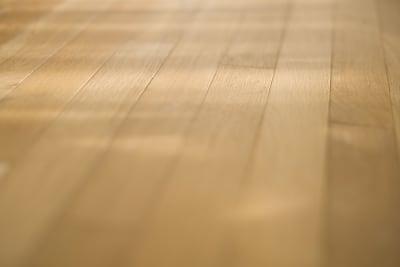 無垢オーク材の床 - +add スタジオ、サロン、貸切スペースの室内の写真
