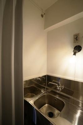 キッチン兼着替えスペース - キブンシツ蔵前 レンタルスタジオ蔵前の室内の写真