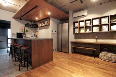 キッチン側全景です - 撮影、イベントスペース新宿御苑前 リノベシェアスペースの室内の写真