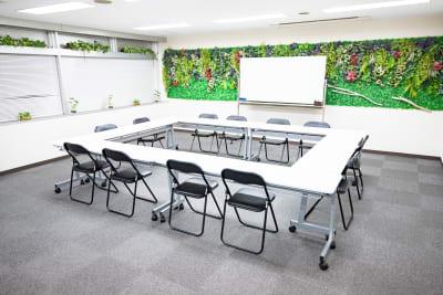 *茶屋町あすいろ* 会議、セミナースペースの室内の写真