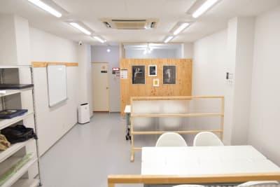 2F全体図 - OMO|オモ【三宮本通店】 【個室|4席分】レンタルスペースの室内の写真