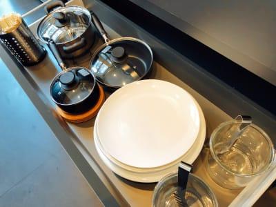 bliss space渋谷  キッチンスペース  各種キッチンツール、パーティー用のお皿やコップもご用意しております。 - bliss space bliss space渋谷の設備の写真