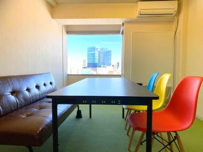 景色良好なシンプルスペース - アップスペース渋谷道玄坂 📌レンタルスペース📌貸会議室の室内の写真