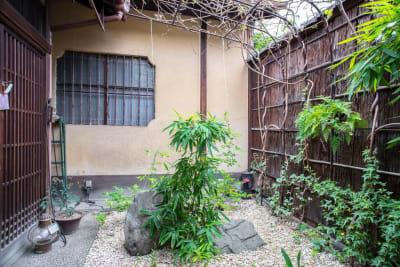 中庭 - 日暮荘 【個室・お二人利用】仕事や勉強にの入口の写真
