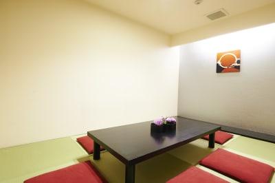 4階 控室(2部屋)6畳間。 (6階併用使用のみ3300円) - VICEO(ビセオ) 多目的スペースVICEOの室内の写真