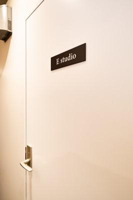 KMA音楽スタジオ 【E studio】の入口の写真