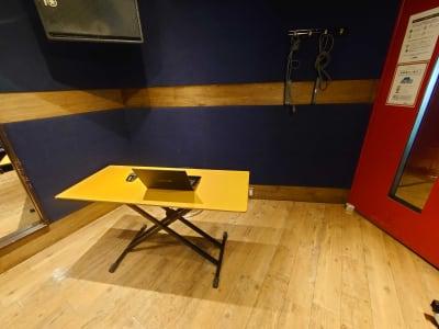 音楽スタジオなので防音には自信ありです。 ※スタジオ内一例です。 - スタジオパックス 北千住店 テレワーク用の防音スペースの室内の写真