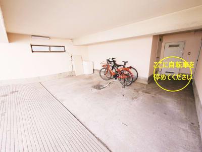 自転車は駐輪場オプションを付けると停められます。自動車は満車です。 - 祐天寺アトリエ 防音スタジオ付E レンタルスタジオ・防音・音楽室のその他の写真