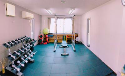 広々としたプライベート空間!1人で黙々とトレーニングができます。 - light Fitness LightFitnessの室内の写真