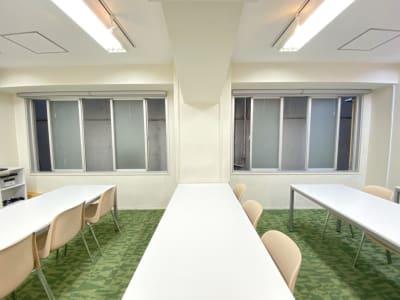 窓を開けて換気可能 - TIMESHARING渋谷宮益坂 Biz 3A【旧みんなの会議室】の室内の写真