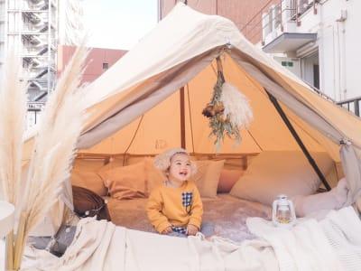 お子様も大喜び間違いありません! ママ会にどうぞ - ゲストハウス神戸なでしこ屋 元町約3分!開放的なルーフトップの室内の写真