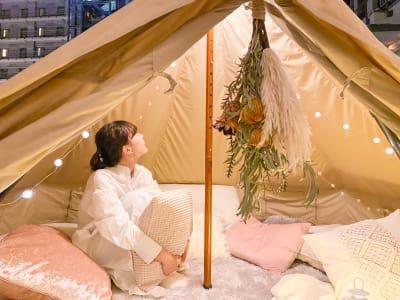各種撮影でのご利用も人気です - ゲストハウス神戸なでしこ屋 元町約3分!開放的なルーフトップの室内の写真