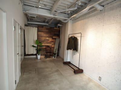 展示会利用の場合、何もない状態からのご利用も可能です。 (什器持ち込みも可能) - 【GHON】便利な立地の戸建貸切 展示会/撮影/パーティー#101の室内の写真