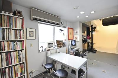 1F-ミーティングルーム - 有限会社水谷スタジオ 撮影スタジオの室内の写真