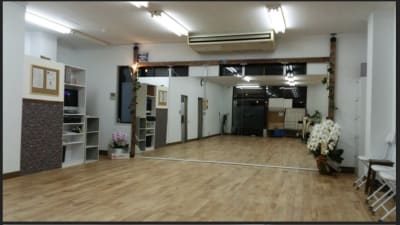 ダンスSPOTオギハラ ダンスフロアーの室内の写真
