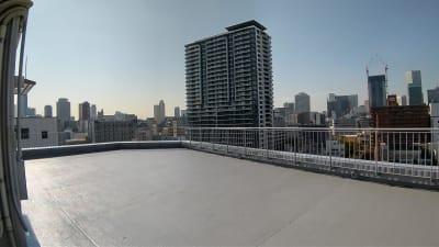 南西 - 天しもビル 屋上レンタル撮影スタジオの室内の写真