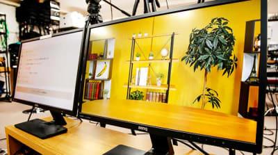 出演者用 返しモニター - TMCミカンスタジオ M1スタジオの室内の写真