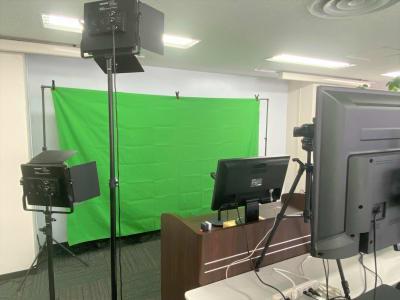 スタジオとしても使用できる会議室はなかなかありません - 新橋ビジネスフォーラムの室内の写真