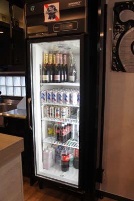 大型の冷蔵庫がございます。(有料オプション)容量は264Lです。 - 32PARADOX コワーキング、イベントスペースの設備の写真