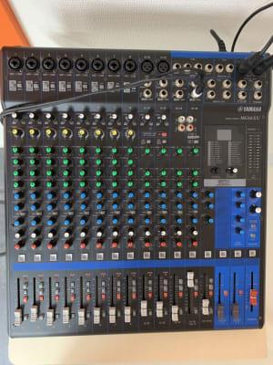 YAMAHA(ヤマハ)16chミキサー『MG16XU』 - STUDIO インセプション STUDIOインセプションの設備の写真
