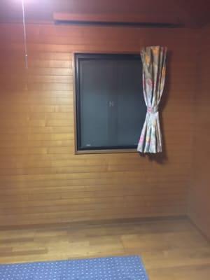 北側の窓です。 - コモンハウス雪谷 201号室 テレワークスペースの室内の写真