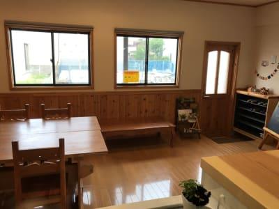 明るい室内です。 - Cozy-Room キッチン付レンタルスペースの室内の写真