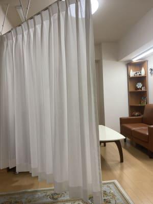 半個室ルーム仕切り - 京王八王子レンタルルーム 【貸スペース】八王子・半個室の室内の写真