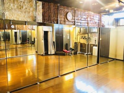 貸ダンススタジオLush川崎 【川崎駅徒歩5分】ダンススタジオの室内の写真