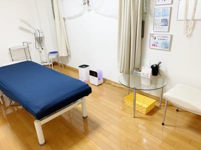 空気清浄器・加湿器・エタノール・除菌シート完備 - レンタルサロン(エステルーム) エステルームの室内の写真
