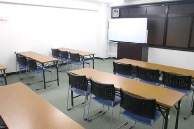 NATULUCK表参道駅前店 会議室の室内の写真