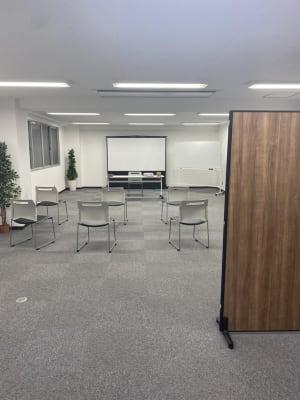 貸会議室 A会議室の室内の写真