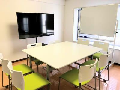 約9畳のワンルームマンションの1室で完全個室です。 - お気軽会議室浅草橋西口 浅草橋駅から徒歩4分の室内の写真