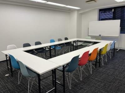 内観 - 神栄ビル レンタルスペース 会議室301-1の室内の写真