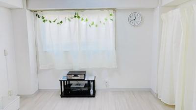 音楽プレイヤーやWi-Fi完備。 - レンタルスタジオ「Bee」 多目的プライベートスタジオの室内の写真