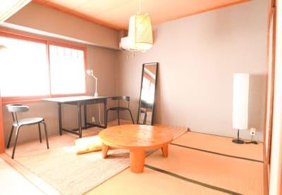 リビングから続く和室はゆったり6畳 - sima sima西宝町 女子会・パーティールームの室内の写真
