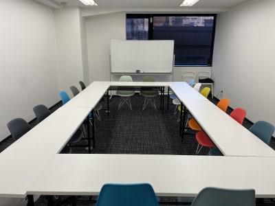 内観(2) - 神栄ビル レンタルスペース 会議室301-1の室内の写真