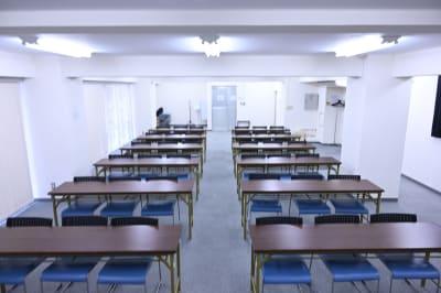 NATULUCK八丁堀2号店  2階会議室の室内の写真