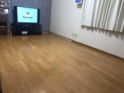 レッスンモード - JK Room 新宿三丁目店 隠れサロン💅🏻施術ベット🛌の室内の写真