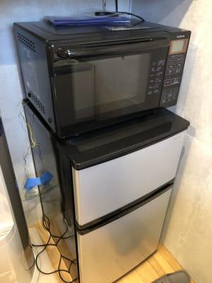 意外とあったら嬉しい冷蔵庫に電子レンジ! - Ma レンタルサロンの設備の写真