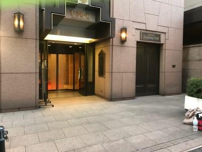 アカデミーホール B1 レンタルホール 1時間~の入口の写真