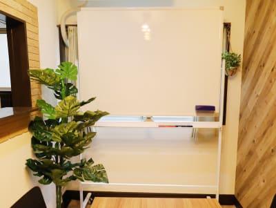 ホワイトボードサイズ:120cm x 90cm - LEAD conference 赤羽 room Bの設備の写真