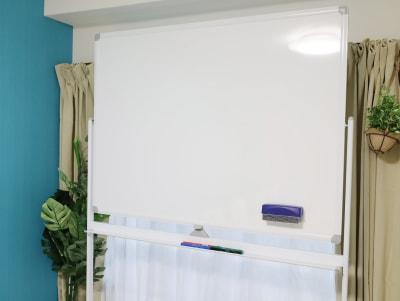 ホワイトボードサイズ:120cm x 90cm - LEAD conference 赤羽 room Aの設備の写真