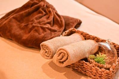 タオルなどの貸し出しは追加料金が発生いたします。 - アメイジング レンタル サロンスペースの設備の写真