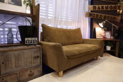 ソファーが3台ございます。 - 大手町スペースブリッド コワーキング撮影スタジオ の室内の写真