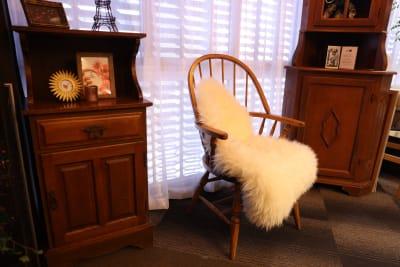 アンティーク家具を配置したコーナー。 - 大手町スペースブリッド コワーキング撮影スタジオ の室内の写真