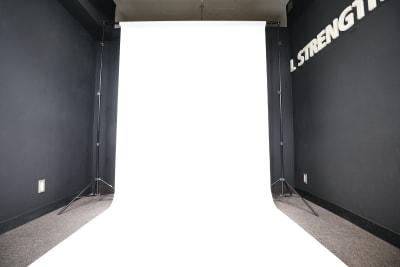 白ホリ撮影も可能です。 - 大手町スペースブリッド ★撮影スタジオ(6名)5Dの室内の写真